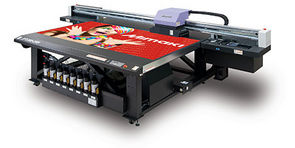SIGNS & LABELS HEREFORD OPENS UP NEW MARKETS WITH MIMAKI JFX200-2513 FROM SMGG